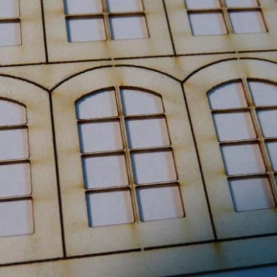 Planche de fenêtres avec vitrages